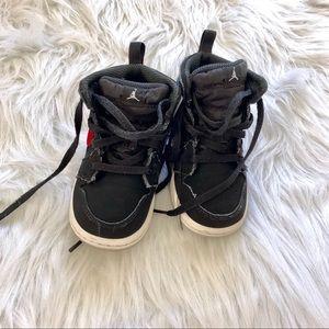 Little Boys Nike Air Jordan Sneakers Size 7c